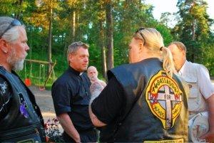 Lasse - Tyfri MC, Mikael - präst & ryggen Pontus J Back