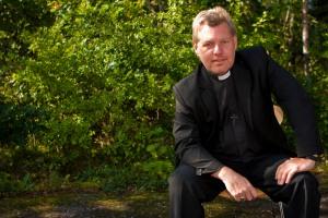 Mikael Bedrup präst framåtlutad 2009-1