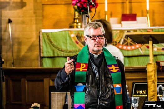 mb-predikar-i-mc-vast-och-stola
