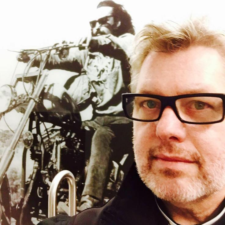 Fellowship - bilder - Bedrup med Easy rider affisch bakom